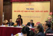 GS.TS Lê Thị Quý phát biểu khai mạc tọa đàm, giới thiệu những hoạt động của Quỹ Văn hiến Việt Nam