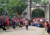 """Diễn xướng """"Bách nghệ trình làng""""- trò diễn đặc sắc của xã Dị Nậu, huyện Tam Nông."""