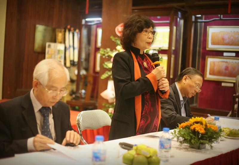 GS.TS Lê Thị Quý, chủ tịch Quỹ Văn hiến Việt Nam chủ trì toạ đàm