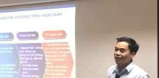 """Tiến sĩ Phạm Sỹ Nam, thành viên Ban soạn thảo chương trình Giáo dục phổ thông mới môn toán chia sẻ tại hội thảo """"Xu hướng giáo dục trên thế giới và Việt Nam"""" ngày 9/11"""